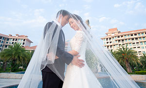 蓝天云朵房子风景婚纱摄影原片素材