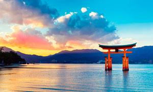 湖中的日本牌坊景观高清摄影图片