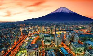富士山脚下的城市夜景高清摄影图片