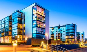 城市建筑和美丽夜景灯光摄影图片