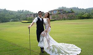 青青草地上的人物婚纱摄影原片素材