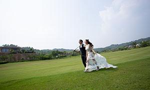 蓝天白云球场外景婚纱摄影原片素材
