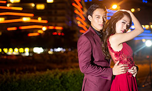 夜景灯光下的恋人婚纱摄影原片素材