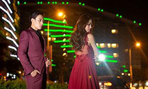 城市灯光装饰情侣写真高清摄影原片