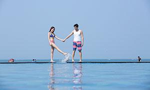 海边清凉打扮情侣写真摄影原片素材