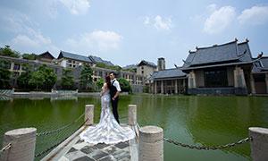 蓝天白云湖畔外景婚纱摄影原片素材