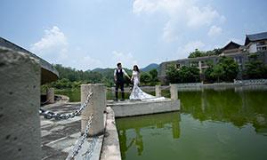 平静湖水外景风光主题婚纱摄影原片