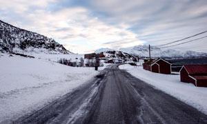 雪后公路景观高清摄影图片