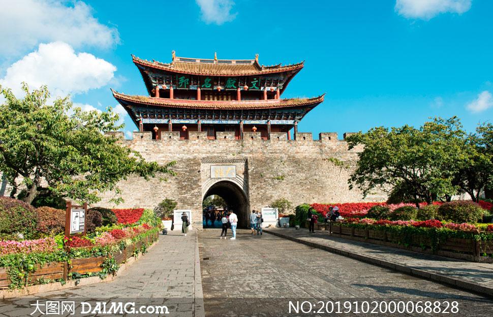 云南大理古城楼摄影图片