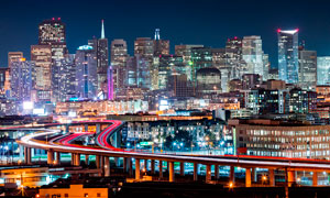 都市夜景和美丽的立交桥摄影图片