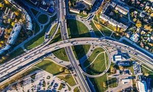 城市壮观的立交桥俯拍图摄影图片