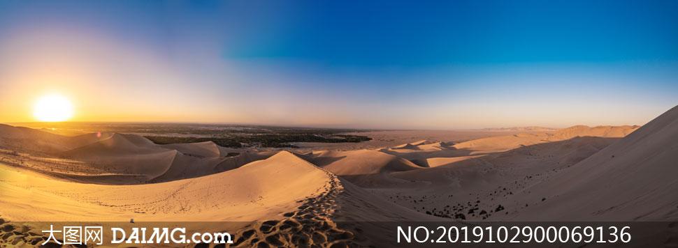 月牙泉沙漠美麗的夕陽景觀攝影圖片