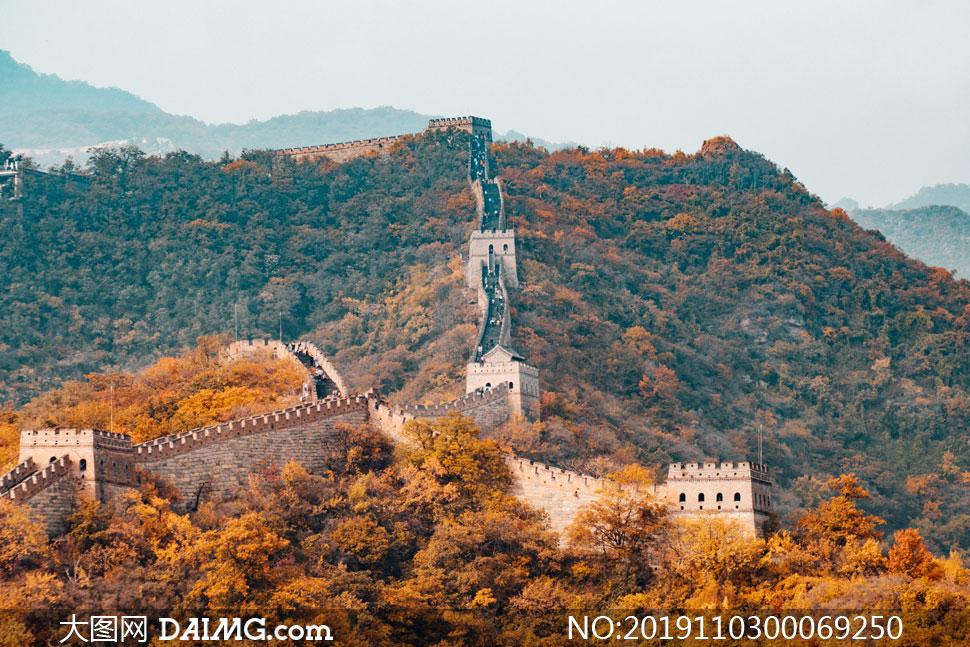 秋季美丽的长城景观摄影图片