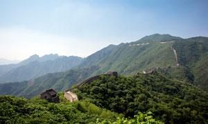 青山之上的万里长城美景摄影图片