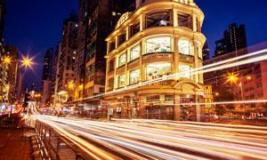 城市繁華道路夜晚光影攝影圖片
