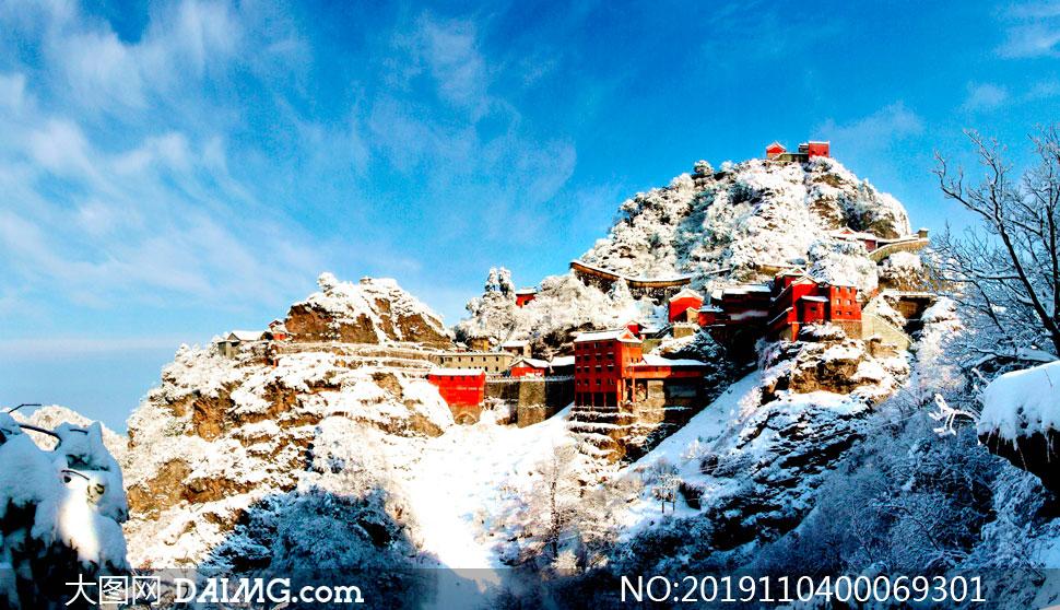 武当山天柱峰美丽雪景高清摄影图片