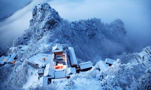 武当山金顶太和宫雪景鸟瞰图摄影图片