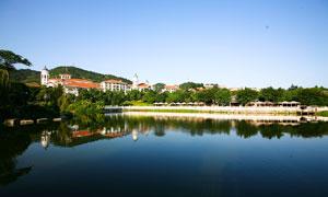 城市社区景观园林和湖泊摄影图片