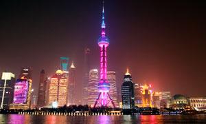 上海外滩建筑群美丽夜景摄影图片