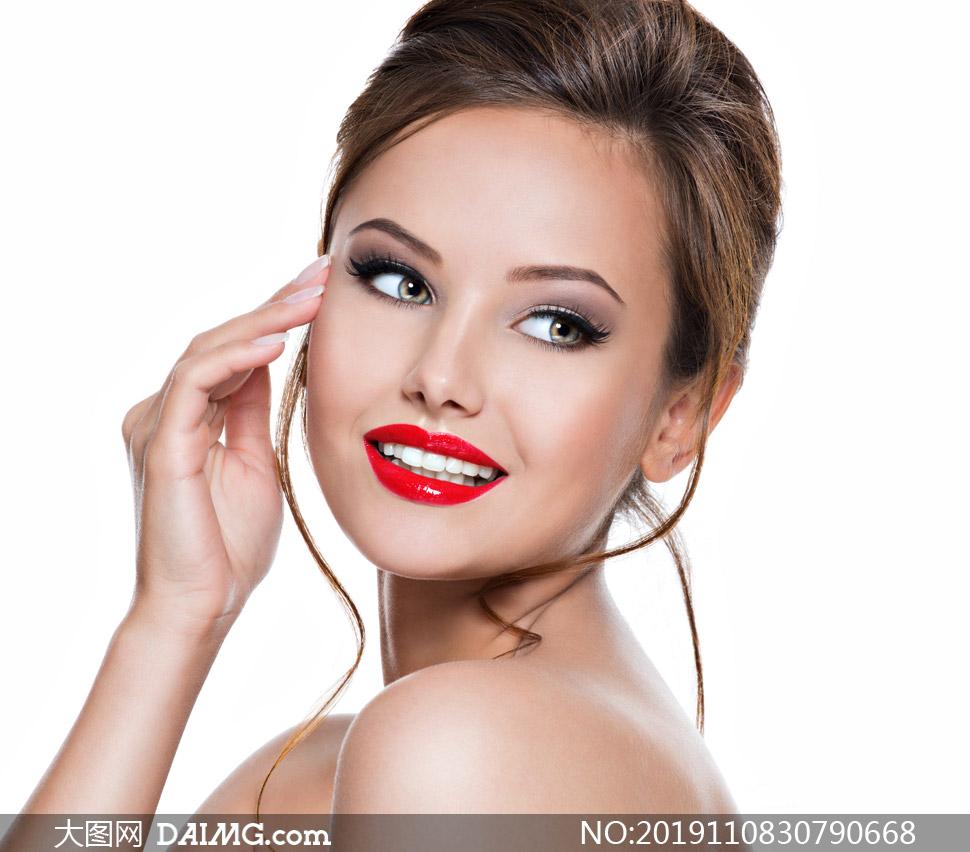 笑容绽放美女人物写真摄影高清图片