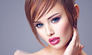 浓妆打扮红唇美女人物摄影高清图片