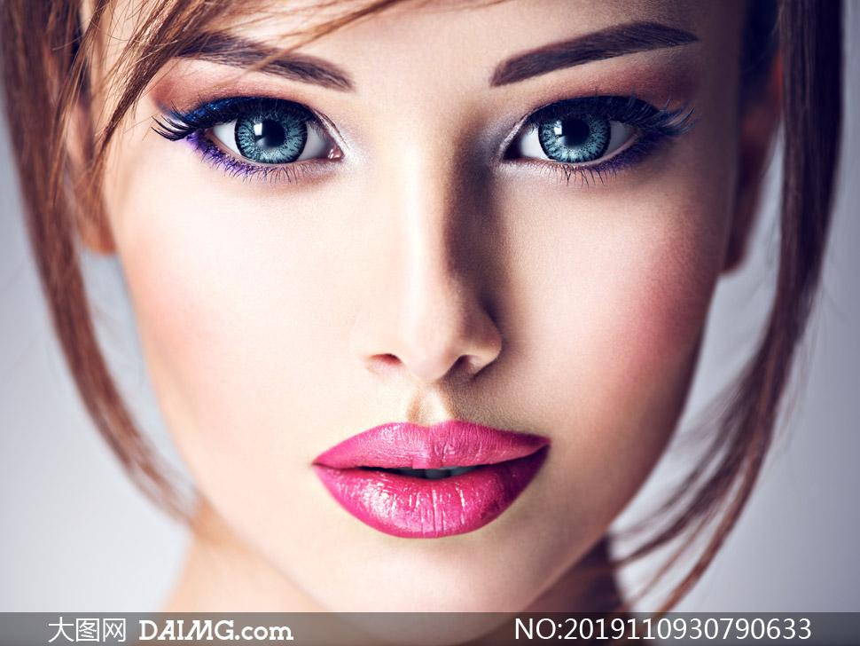 明亮双眸红唇美女写真摄影高清图片