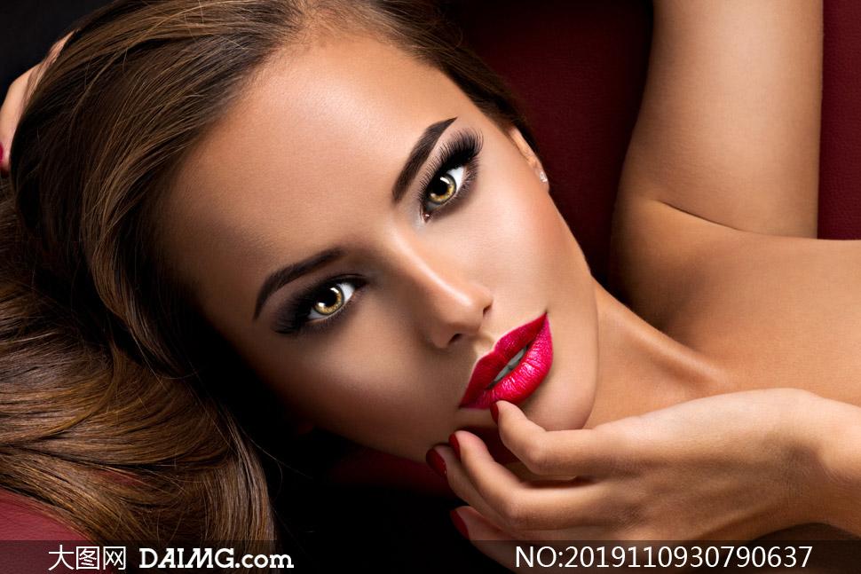 明眸浓妆打扮美女人物摄影高清图片