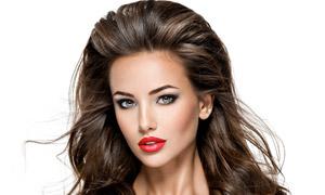 盈亮披肩秀发红唇美女摄影高清图片