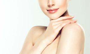 保湿护肤美容人物模特特写高清图片