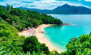 夏季海边沙滩美景摄影图片