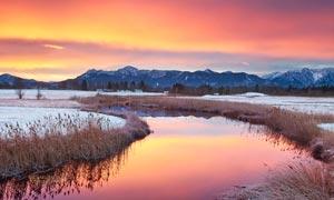 傍晚田园美丽的雪景高清摄影图片