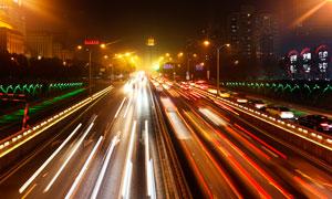 夜晚城市中美丽的道路光影摄影图片