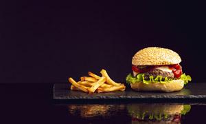 脆爽薯条与汉堡包特写摄影高清图片