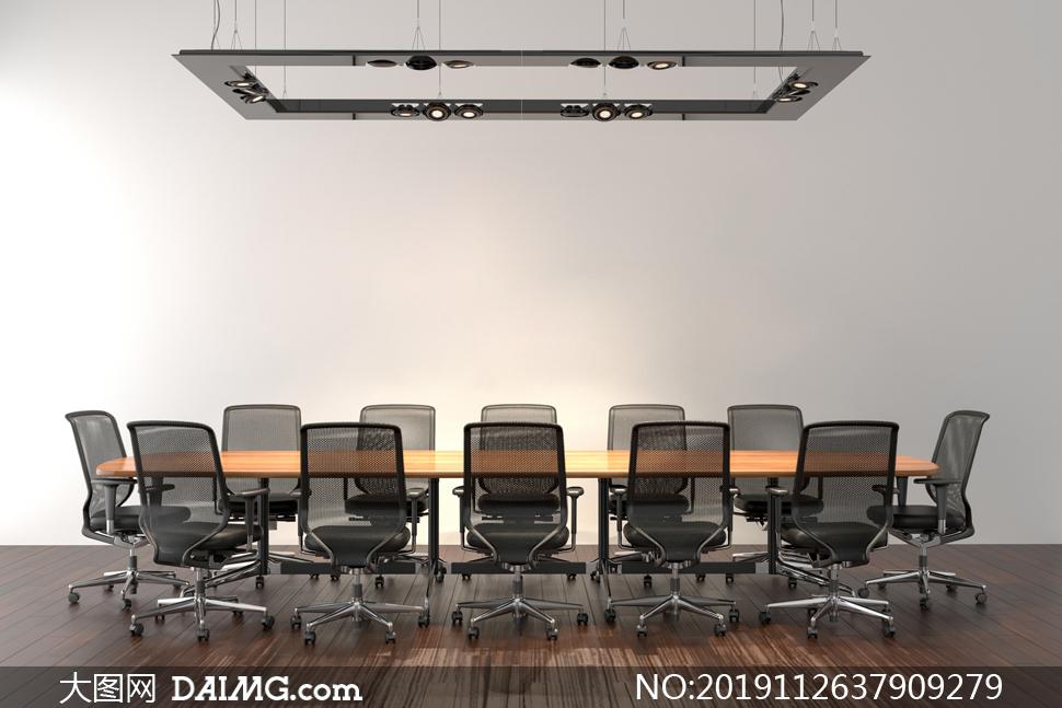 会议室吊灯与桌椅布置摄影高清图片