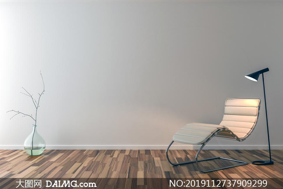 灯光照射下的休闲躺椅摄影高清图片