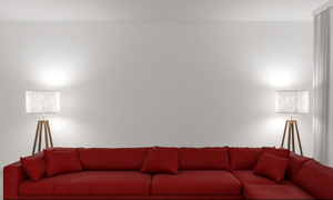 落地灯与红色的组合式沙发摄影图片