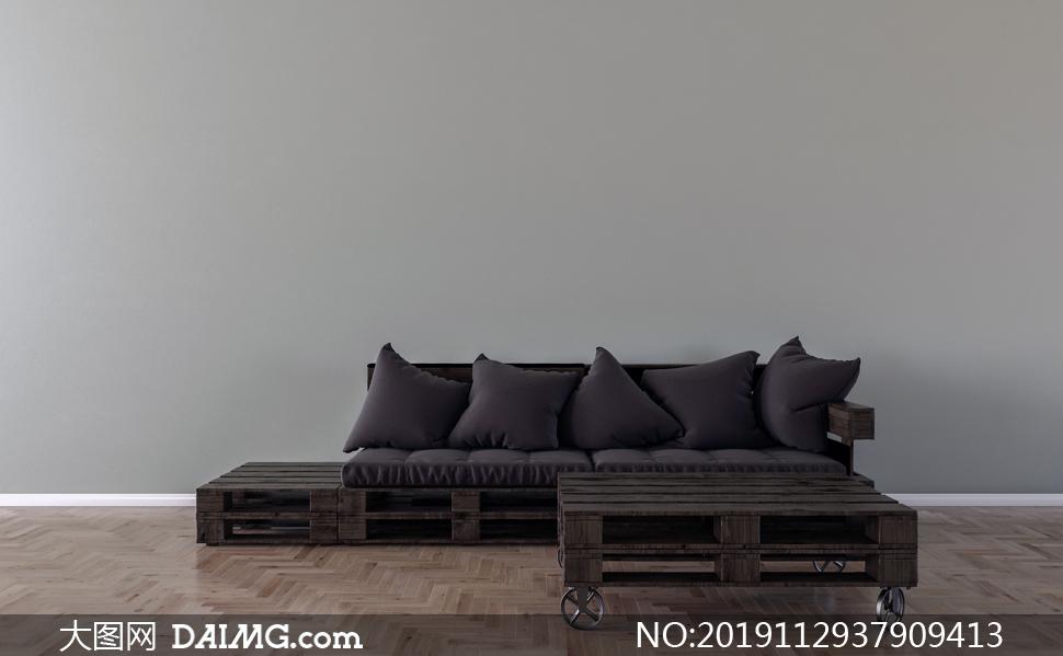 木支架上的沙发与枕头摄影高清图片