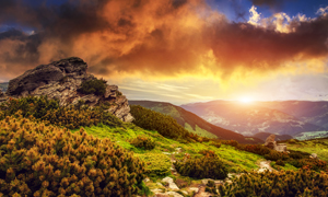 天空云彩山间小路风景摄影高清图片