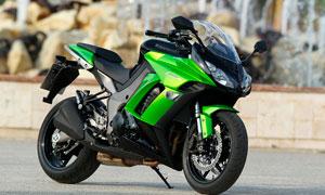 绿色摩托车高清摄影图片