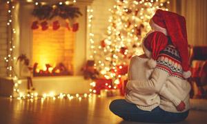 房间圣诞气氛营造人物摄影高清图片