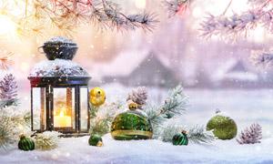 冬日数字灯笼与圣诞球摄影高清图片