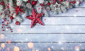 木板上的五角星等圣诞装饰高清图片