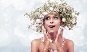 圣诞球头饰的妆容美女摄影高清图片