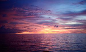 海上落日余晖美丽风光摄影图片