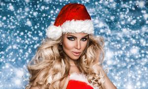 叉腰姿势圣诞红裙美女摄影高清图片