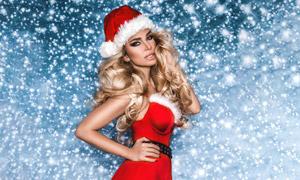 圣诞红裙金发女郎人物摄影高清图片