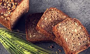 麦穗与蓬松的面包特写摄影高清图片