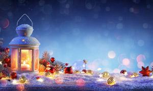 圣诞球松果与灯笼等圣诞节物品图片
