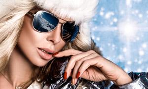 冬裝打扮墨鏡美女人物攝影高清圖片