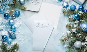 树枝纸张与圣诞球近景特写 澳门线上必赢赌场